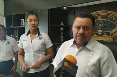 DESOBEDECEN TAXISTAS DE PLAYA DEL CARMEN AL GOBERNADOR Y ALCALDESA DE SOLIDARIDAD