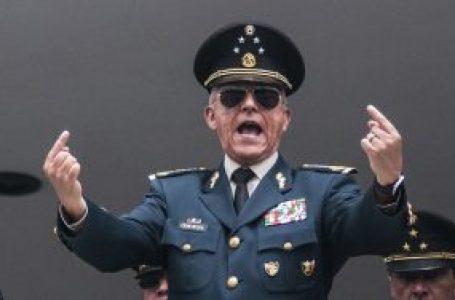 EXONERA LA FGR AL GENERAL SALVADOR CIENFUEGOS